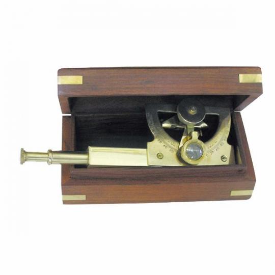 Winkel-Sextant in Holzbox