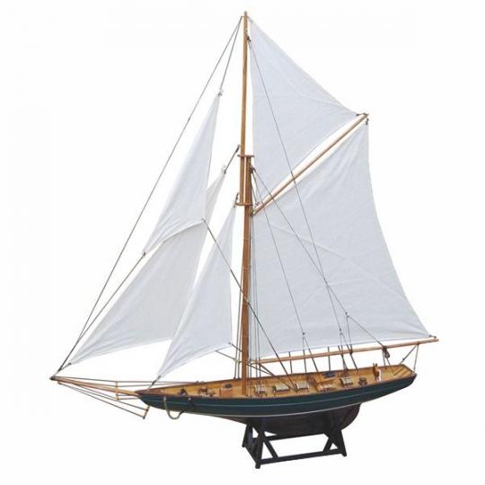 Segelyacht  L: 85cm, H: 92,5cm