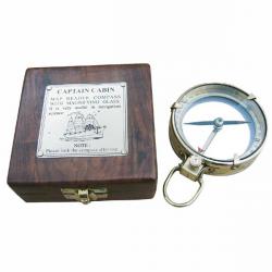 Kompass mit Lupe