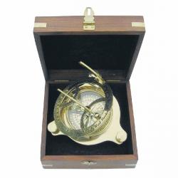 Sonnenuhr-Kompass in Holzbox
